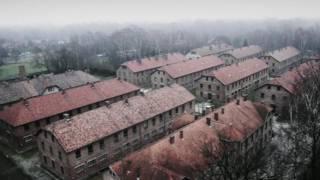 Inkambi ya Auschwitz aho abantu barenga umuriyoni, bagizwe ahanini n'Abayahudi, bagandaguriwe n'Abanazi