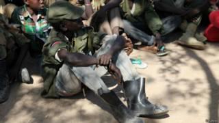 Cerimônia para soldados infantis