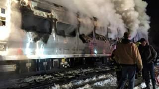 हादसे के बाद ट्रेन में लगी आग