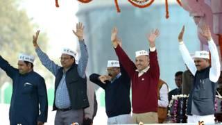 दिल्ली सरकार के मुख्यमंत्री व अन्य मंत्री