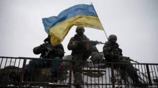 यूक्रेन के युद्ध के मैदान में हथियार अभी भी मौजूद हैं