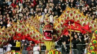 倫敦市中心特拉法加廣場上的春節慶祝活動,已成為亞洲以外規模最大的春節廟會。