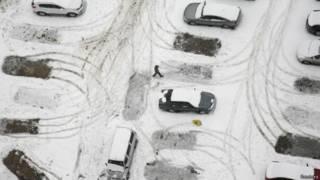 哈爾濱一個積雪的停車場