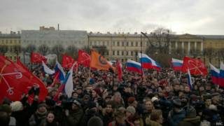 Участники марша в память о Борисе Немцове в Санкт-Петербурге