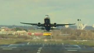 伯明翰機場飛機降落
