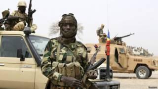 Soldado del ejército de Chad