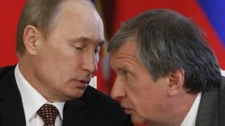 """Президент В.Путин и глава """"Роснефти"""" И.Сечин"""