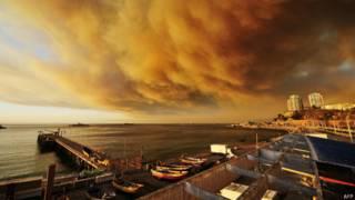 Fumaça sobre Valparaiso (Foto: AFP)