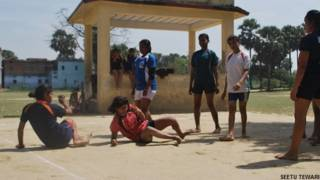 बिहार के बेगूसराय के बीहट में कबड्डी का खेल