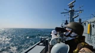 Румынский фрегат участвует в маневрах НАТО в Черном мореб 16 марта 2015 г.
