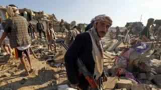 houthi_militia_after_saudi_air_strike_