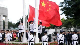 """""""行政主导""""论在香港引发争议。"""