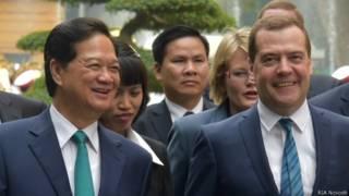 Премьеры Вьетнама и России Нгуен Тан Зунг и Дмитрий Медведев