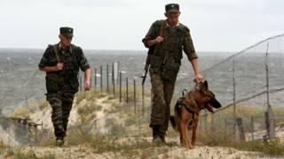 Российские военнослужащие на границе