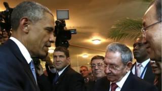 Prezida Obama na Raul Castro babaye abakuru b'ibihugu ba mbere ba Amerika na Cuba bahuye mu myaka 50
