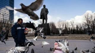 受叛軍控制的烏克蘭城市頓涅茨克仍然有列寧雕像