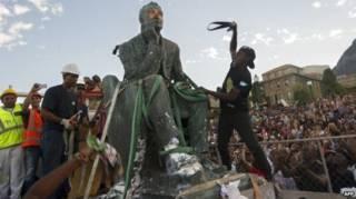 塞西尔·罗兹雕塑