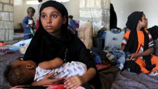 يمنيون عالقون خارج بلادهم