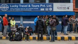 Turistas en Nepal luego del terremoto