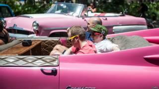 Turistas em Cuba | Foto: Getty