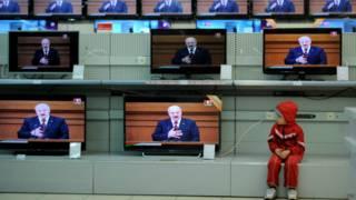 Трансляция выступления президента Лукашенко по ТВ