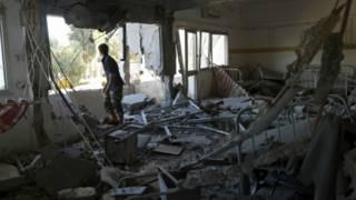 بنغازي تشهد معارك متكررة بين قوات حفتر المالية لحكومة طبرق ومجموعات متشددة للسيطرة على المدينة