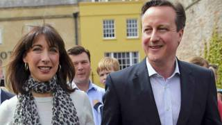 ब्रिटेन के प्रधानमंत्री डेविड कैमरन अपनी पत्नी समांथा के साथ