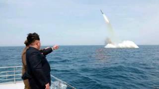 Ким Чен Ын на запуске ракеты