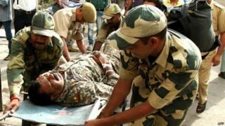 कश्मीर घायल सैनिक