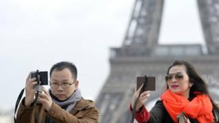中國遊客逛巴黎