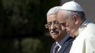 El papa con Abbas