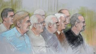 Обвиняемые в зале суда, рисунок художника