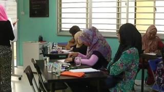 新加坡父母自己去上補習班