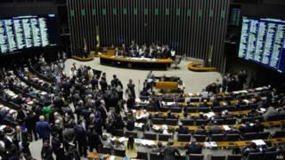 Câmara dos Deputados durante votação da reforma política em 26 de maio de 2015 | Foto: ABr