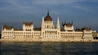 布達佩斯,多瑙河畔的匈牙利議會大廈