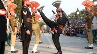 Странный ритуал на индо-пакистанской границе
