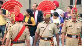 表演儀式的守衛