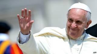 Papa Francsi ashaka ko abasenyeri banyegeza abahohotera abantu bohanwa