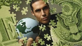 Rompecabezas dólar hombre con planeta