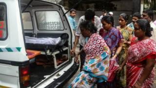 मुंबई में ज़हरीली शराब से मौतें