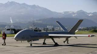 """إسرائيل """"تشن غارة جوية"""" في لبنان """"لتدمير إحدى طائراتها"""""""