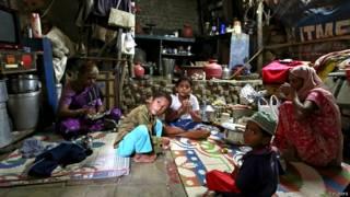 मुंबई में ज़हरीली शराब से मरे व्यक्ति का परिवार