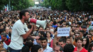 Ереван: демонстранты обещают стоять до конца