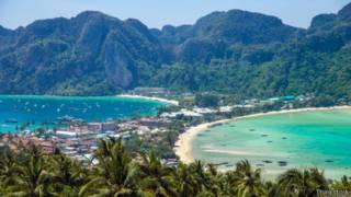 ليلة في جزيرة ساحرة خالية من البشر في تايلاند
