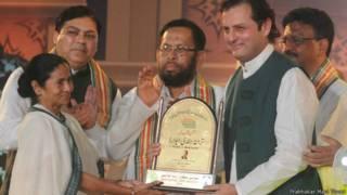 इक़बाल को तराना-ए-हिंदी सम्मान, ममला बनर्जी, वलीद इक़बाल