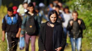 Мигранты из Афганистана после пересечения границы Сербии и Венгрии