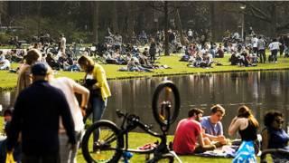 Солнечный денек в Амстердаме