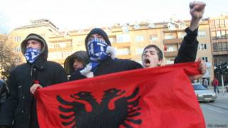 Ликование косоваров в день провозглашения независимости (17 февраля 2008 г.)