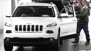 Los hackers que detuvieron a distancia y en medio de la autopista un Jeep Cherokee
