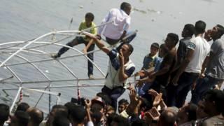 غرق مركب خطوبة في النيل